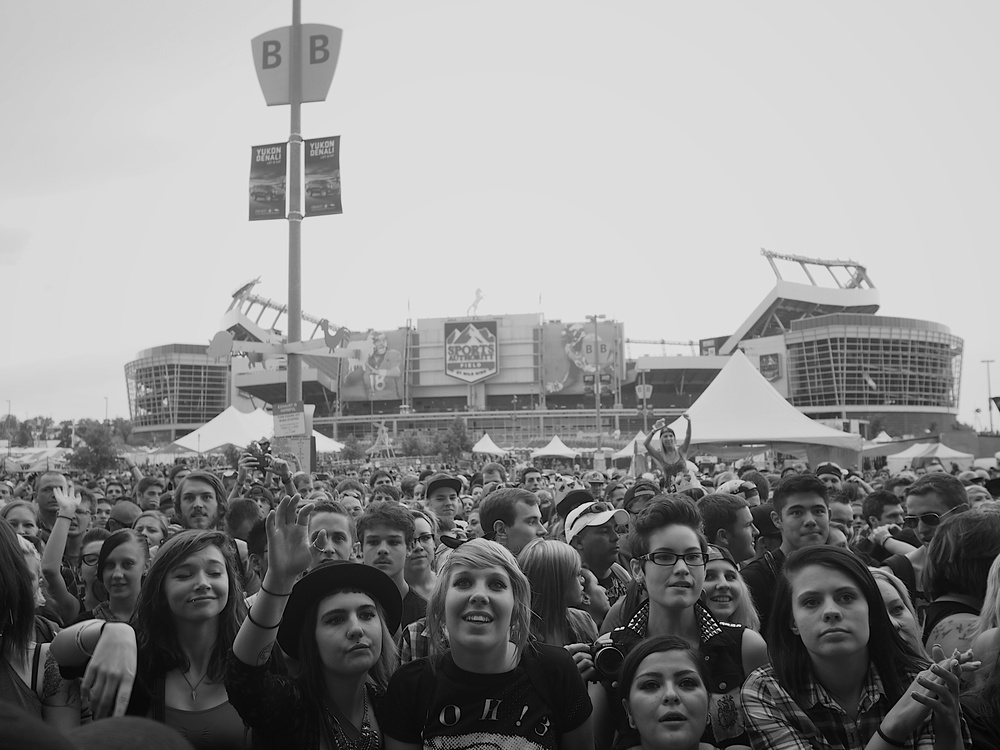 The Riot Fest crowd catching 3OH3! (Photo Credit: Robert Castro)