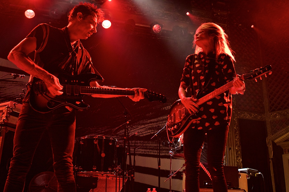 The Kills played to a hot sweaty crowd on Wednesday (Photo Credit: Robert Castro)