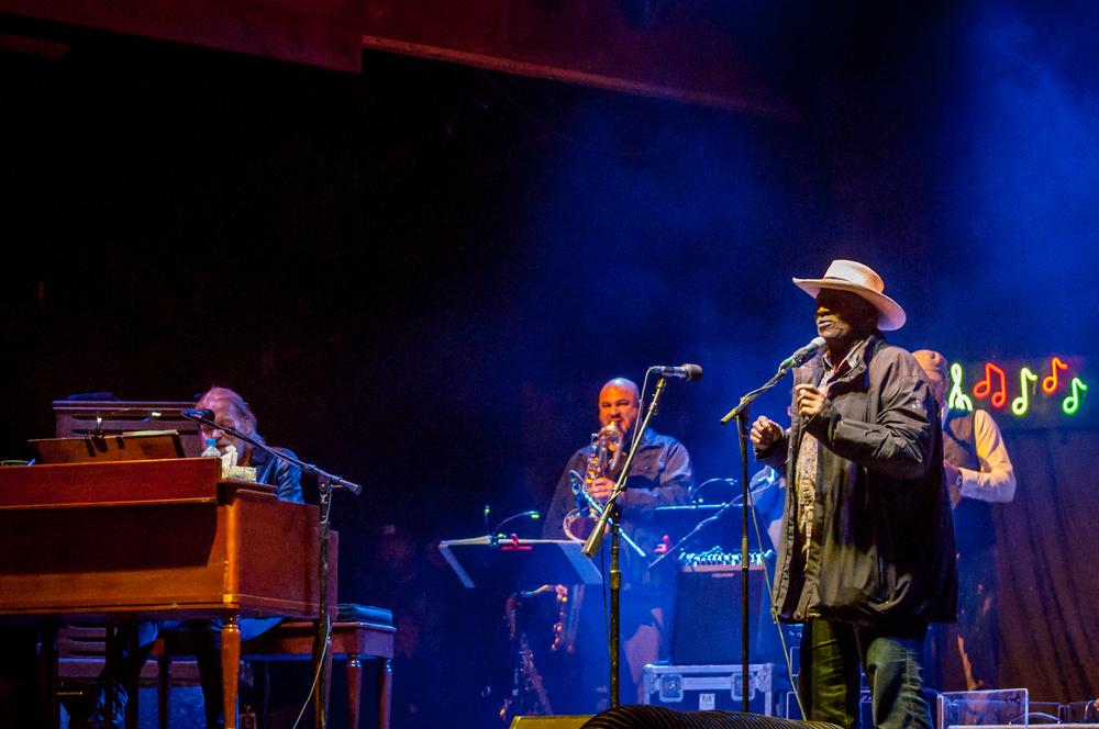 Blues and Brews (38) Gregg Almman and Taj Mahal.jpg