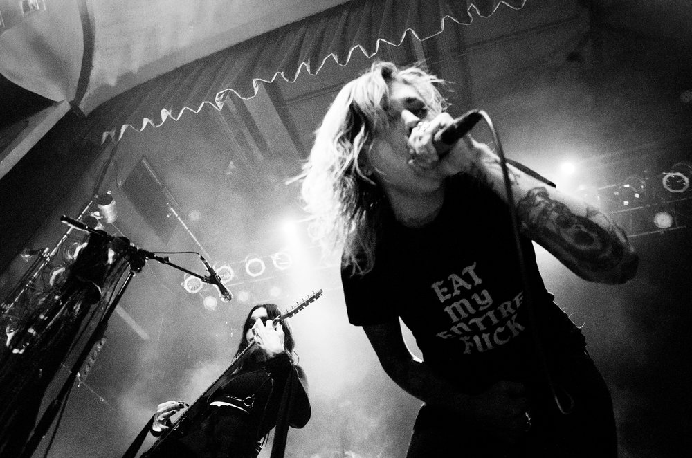 """Chelsea Wolfe and Sara Taylor from Youth Code perform """"Vex"""". Photo by Jess L. Paul"""