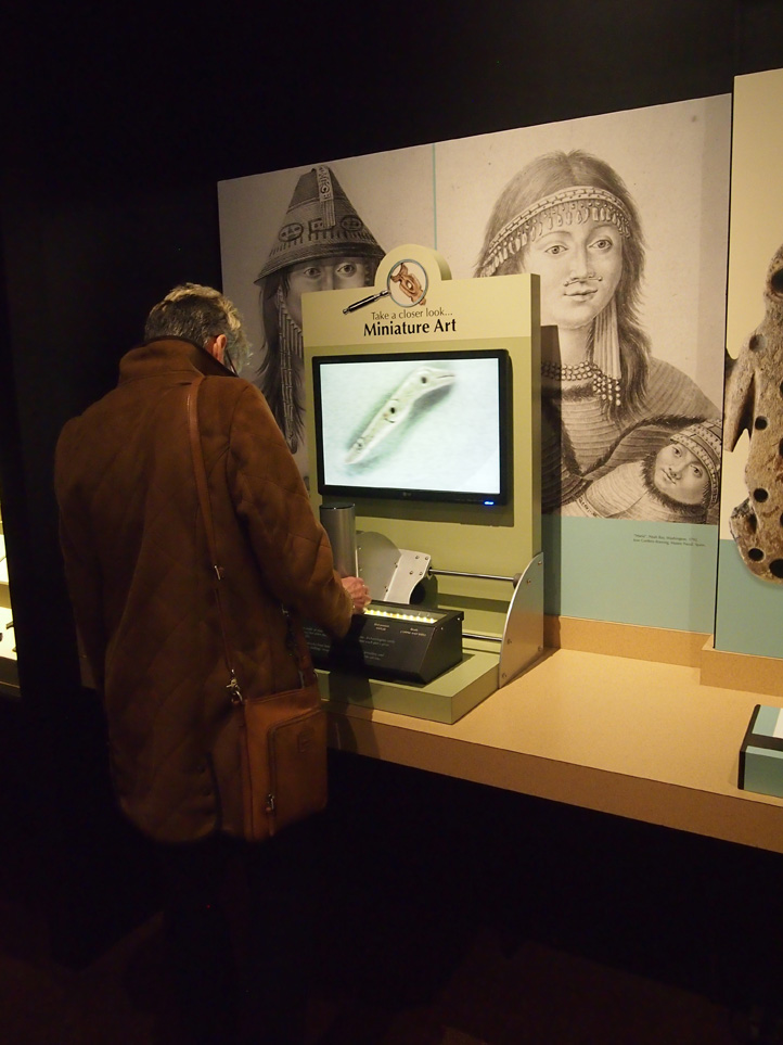 British Columbian artifacts, small tools and tiny species were easily viewable using this technique.   Photo: Cia Mooney