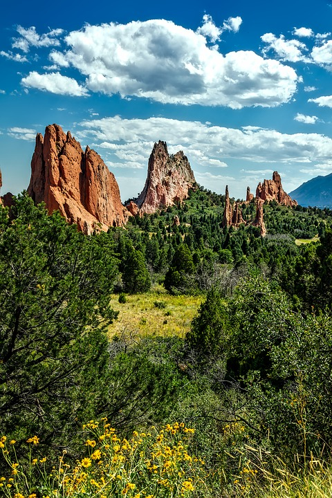 garden-of-the-gods-1676477_960_720 (1).jpg