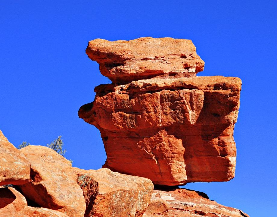 balancing-rock-1273567_960_720.jpg