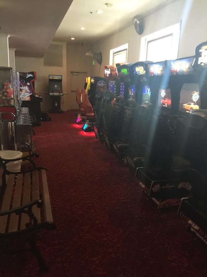Fargos Pizza Arcade