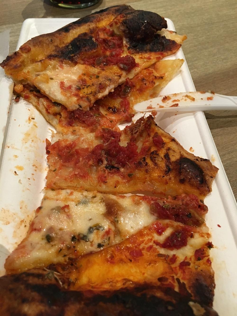 """Pizzata. Porzione """"normale""""."""