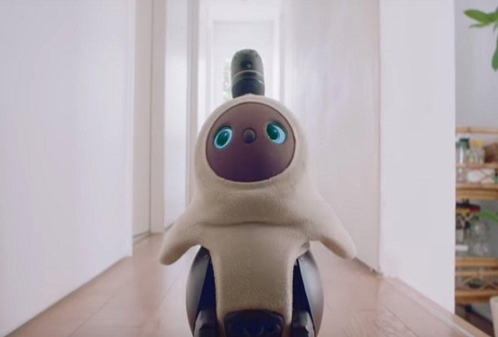 lovot+robot+ces+2019.jpg