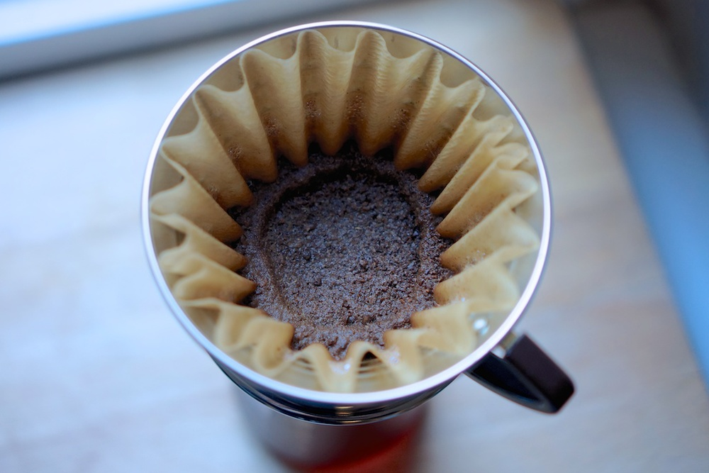 Grinding coffee evenly 4.jpg