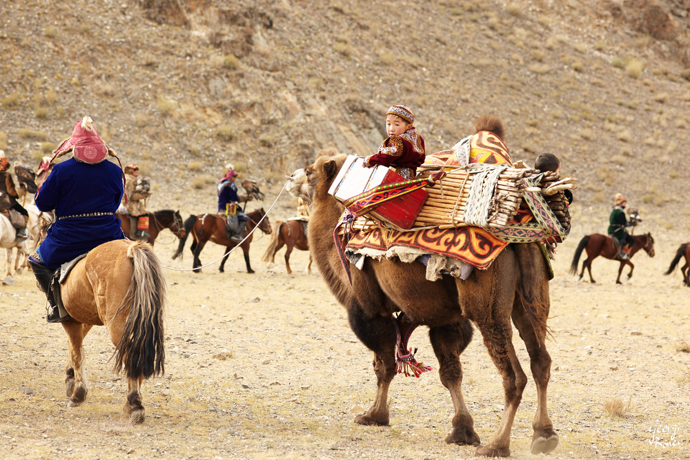 KAZAKH EAGLE HUNTER CARAVAN