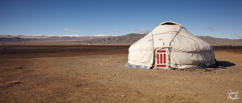 KAZAH GERR, STEPPES NEAR ALTAI MOUNTAIN, MONGOLIA