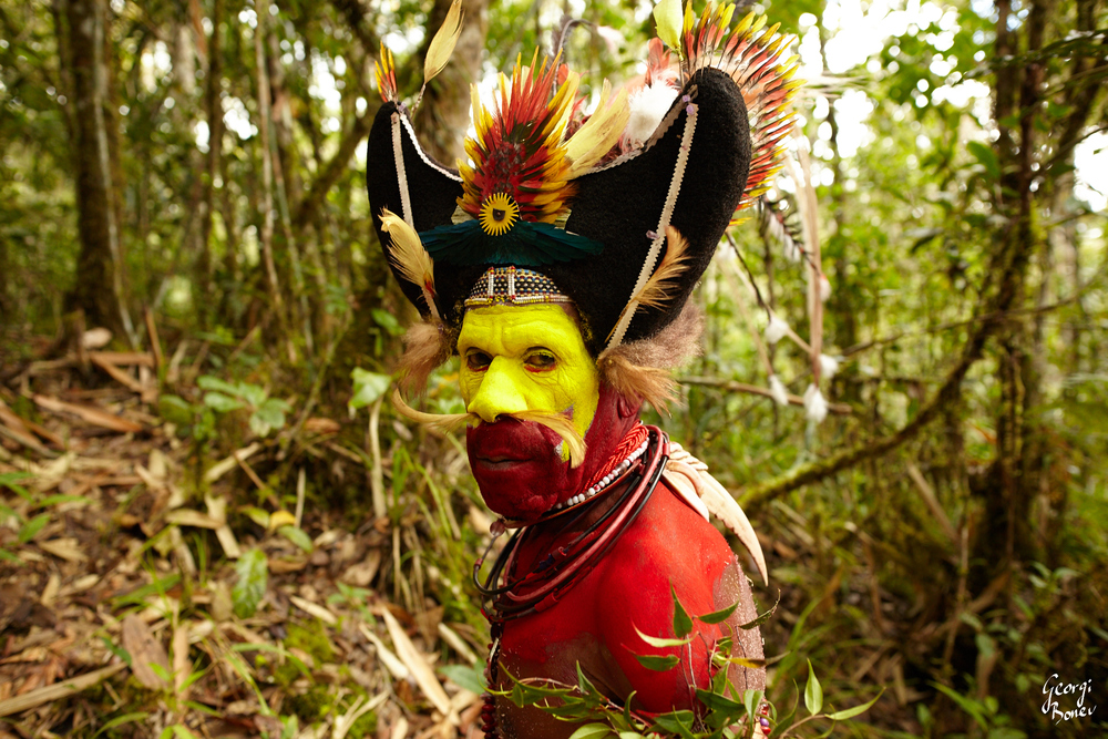 MONAGO IS HULI WIGMEN TRIBE, PAPUA NEW GUINEA