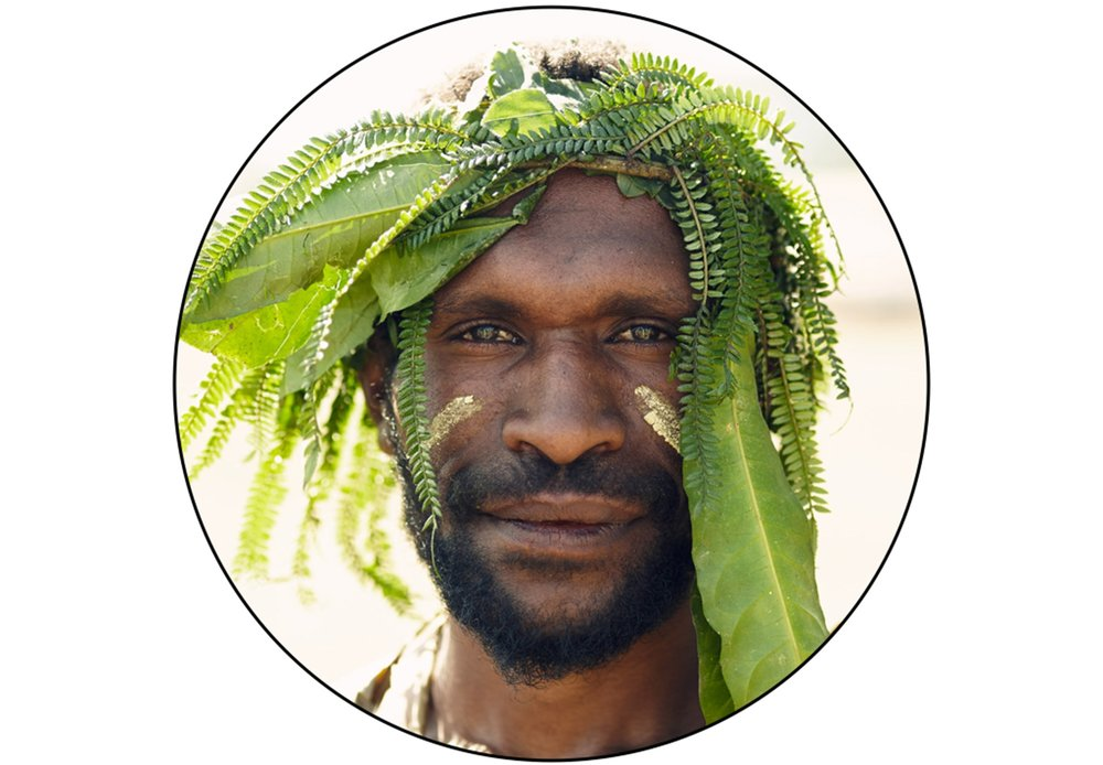 Yonki_tribe_environmental_portrait_1