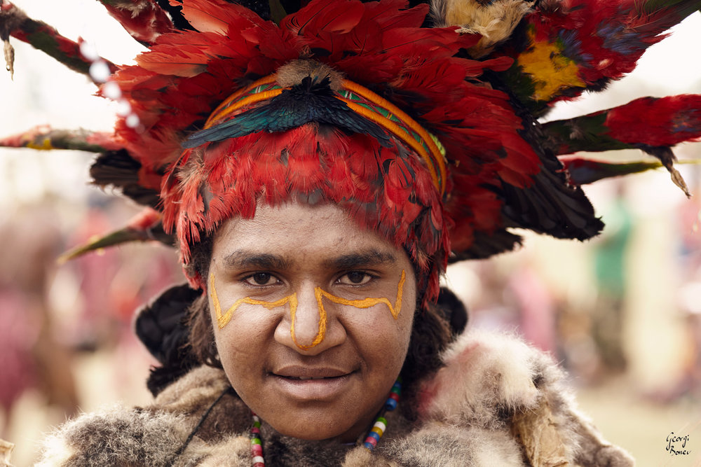 KARIMUI TRIBE WOMAN, PAPUA NEW GUINEA