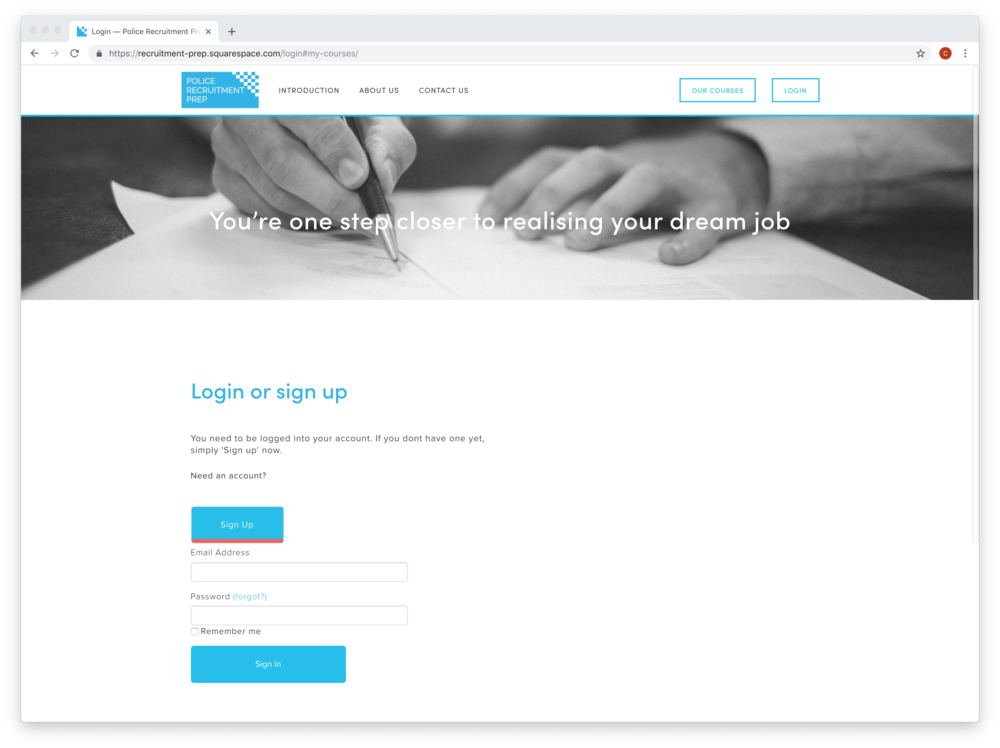 Login Screen in Squarespace accessing the embedded Knack application