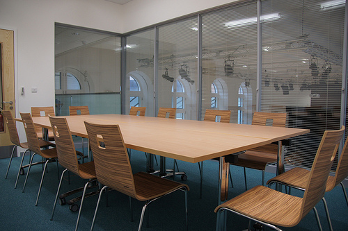 Small hireable meeting room space for building tenants