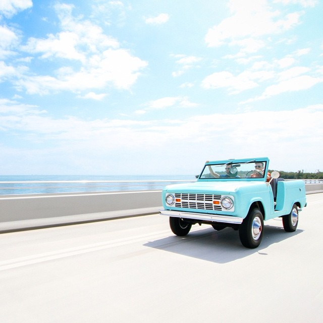 driving this old bronco on the florida highway goes down as one of the scariest things I've ever done, but at least @jffmsmri got the shot. awfully proud of the final product in the @huckberry #FieldGuidetoMiami - find the link in their bio #seeyououtthere by dagbert  http://ift.tt/1InY1Zt