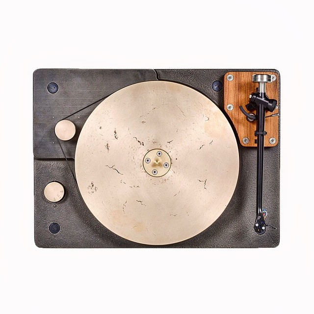 Fern & Roby Turntable. More details on Uncrate.com. by uncrate  http://ift.tt/1GIJEC9