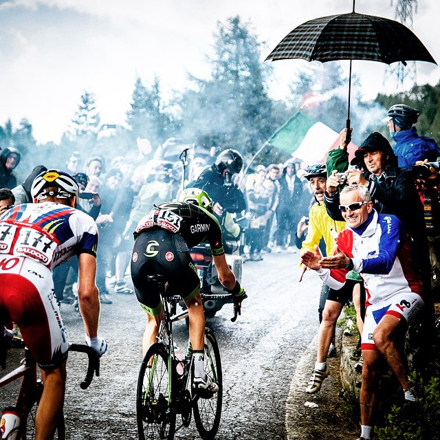 gruberimages :     The fantastic madness of the Mortirolo. #giro | pic: @ashleygruber - so happy to be stealing shot after shot from her - loving all of it. She has been fantastic at this Giro. Give her a follow! :-)