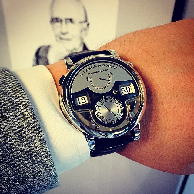 carlostorres351: Yes Herr Lange, the Zeitwerk minute repeater is a mechanical marvel 🔔🔔🔔🙏 @alangesoehne #concorsodeleganzavilladeste #zeitwerkminuterepeater (at Grand Hotel Tremezzo - Lake Como)