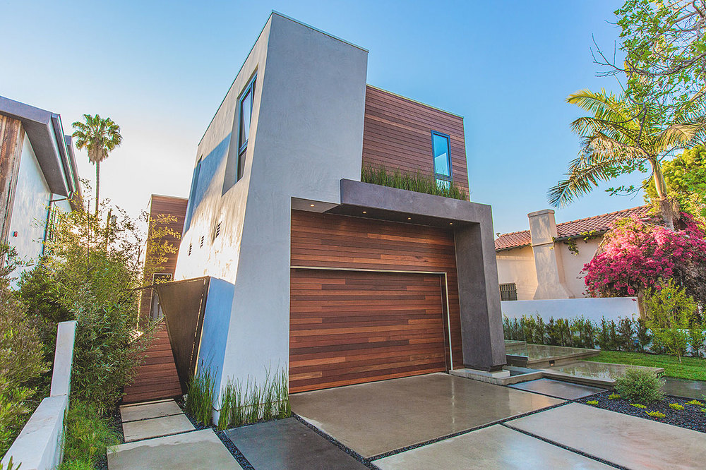 desvre :     349 S Mansfield Avenue by Apel Design |    Source