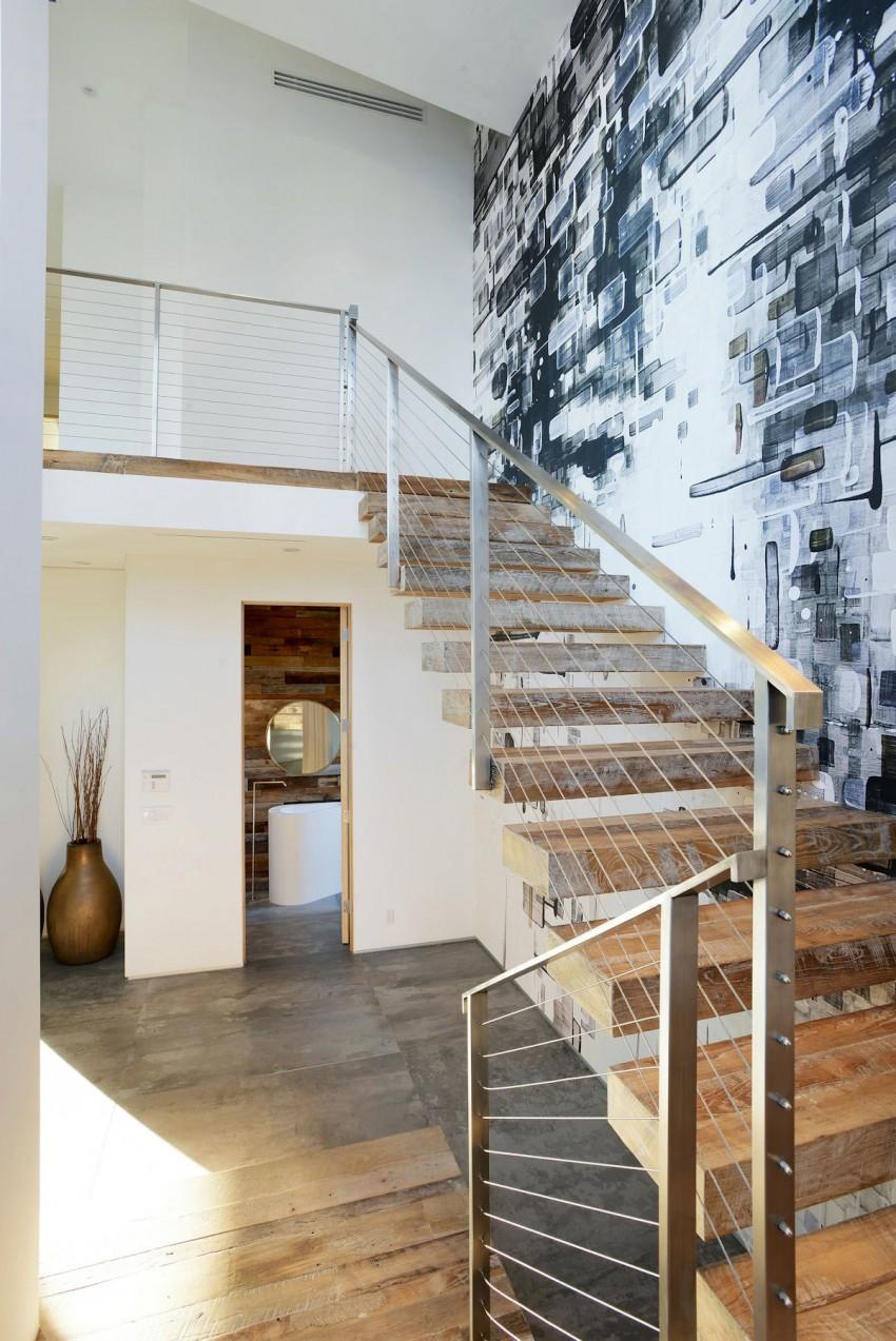 stiliness: Stairwell.