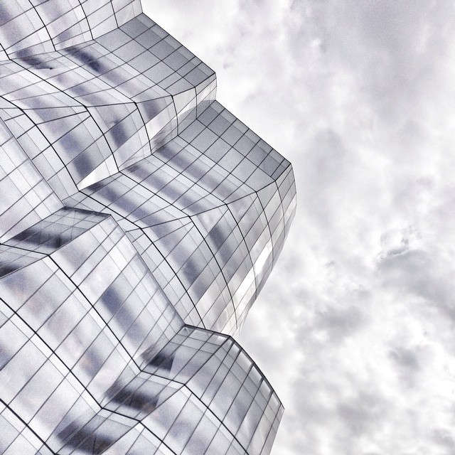 The Frank Gehry IAC building looks pretty good under today's milky skies…! (Back in #nyc!!!) by garancedore  http://ift.tt/1vQlRrR