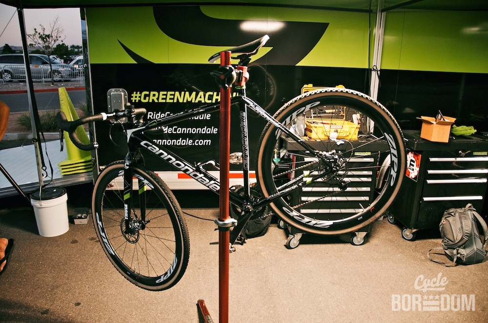 cycleboredom :     #AfterBike: calm before the storm. @timjohnsoncx's @ridecannondale SuperX is ready for #crossvegas.