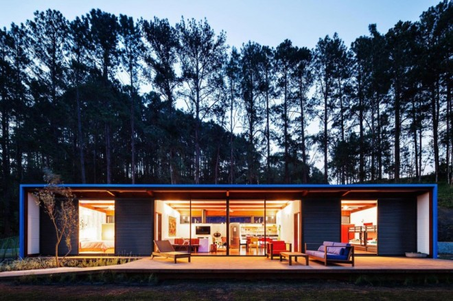 airows :     (via  This Home Is One Giant Metal Box And Incredibly Cool « Airows )