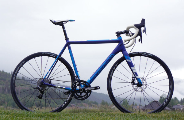 This new CAAD10 just kills it. (via  2015 Cannondale CAAD10 Gets Disc Brakes, Synapse Carbon Lineup Grows & More )