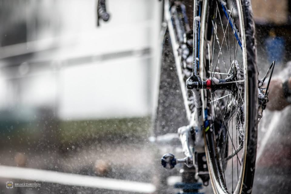 fuckyeahcycling :      (via  Preparation Milan - San Remo 2014 )