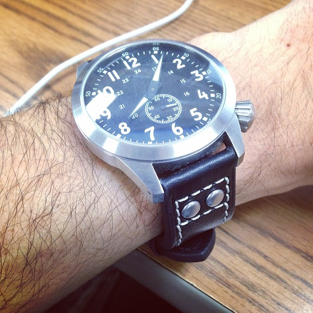 New @crownandbuckle #flieger strap looks great on the #maratac