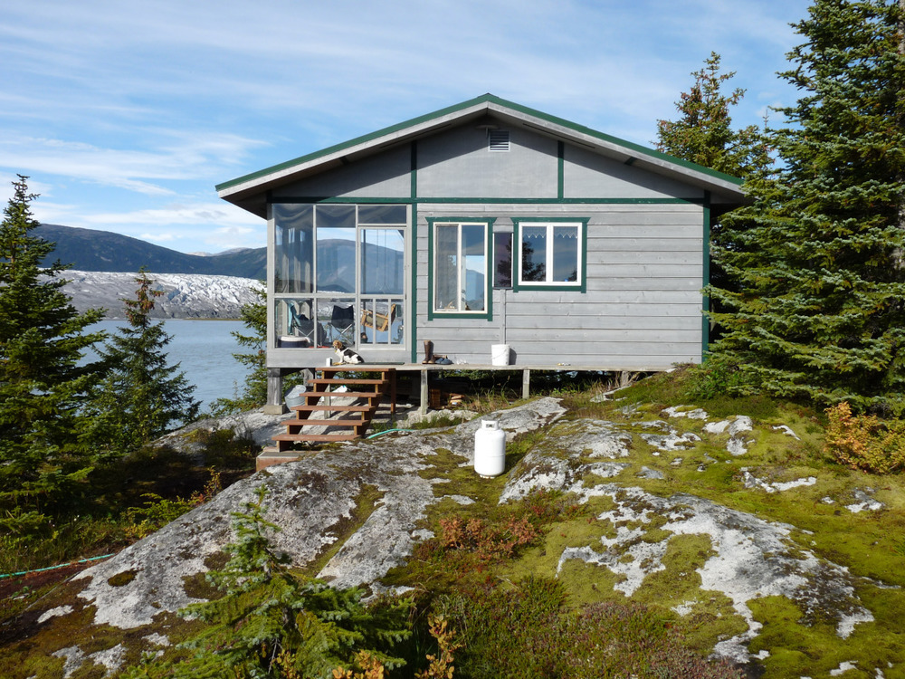 coffeeinthemountains :      cabinporn :     Cabin overlooking the Taku and Norris Glaciers near  Juneau, Alaska, USA .   Contributed by Ron and Nan.     J