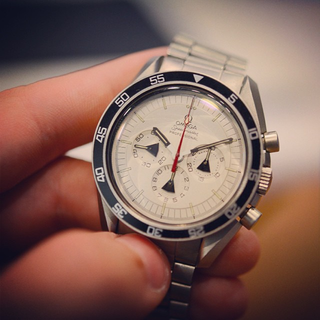 hodinkee :     Another prototype Alaska Project @omega Speedmaster. Yes, that's brushed steel. In the 70s. Full  report on HODINKEE. #speedytuesday.  (at  www.hodinkee.com )     This.