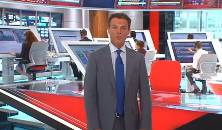 parislemon :      Fox News hires tiny little humans to work on gigantic iPads