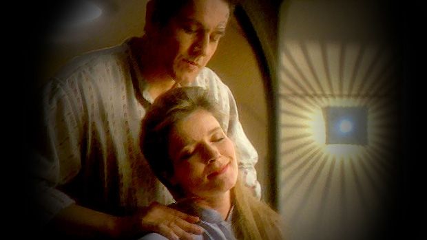 Janeway-and-Chakotay-Shoulder-Massage.jpg