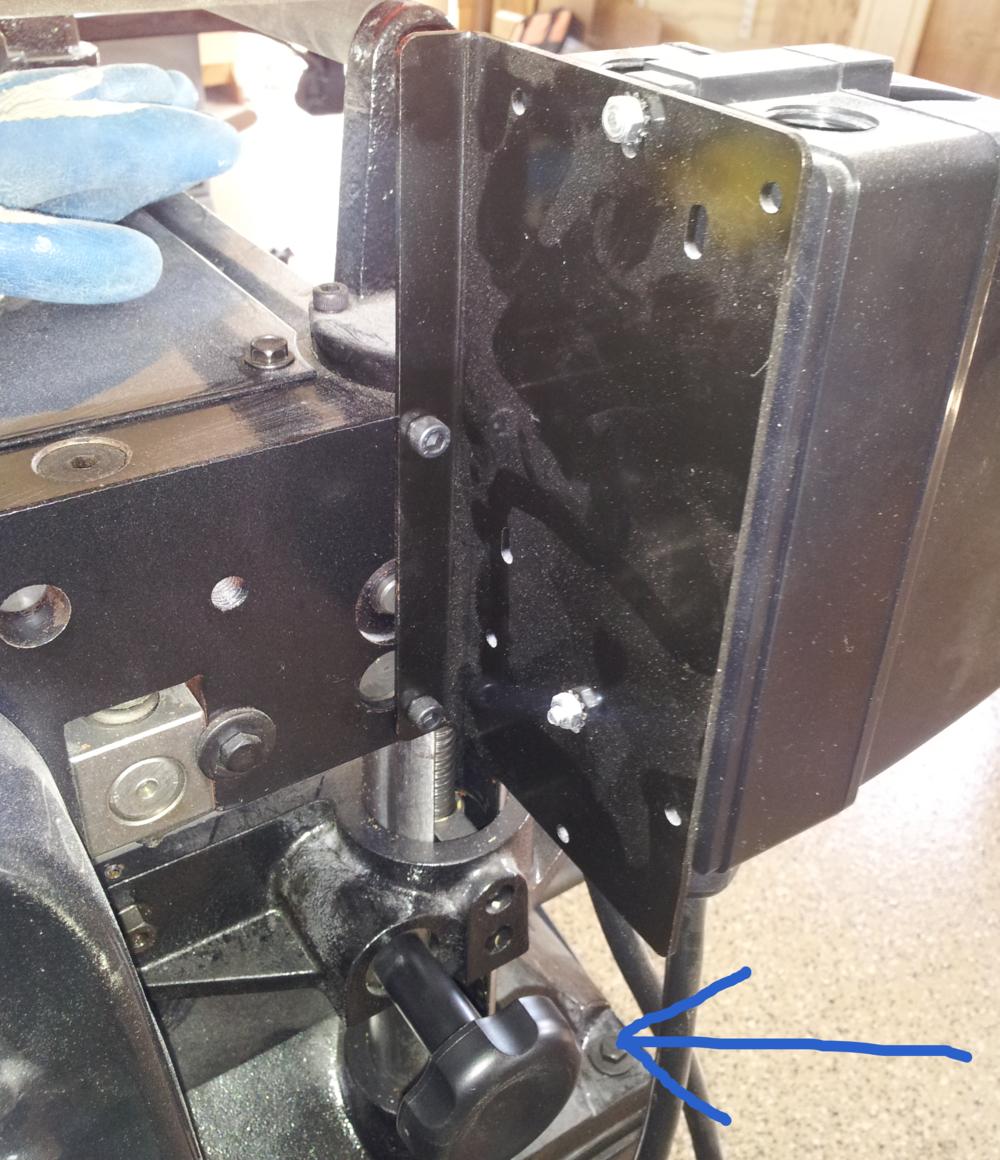 Powermatic-15hh-table-locking-knob.jpg