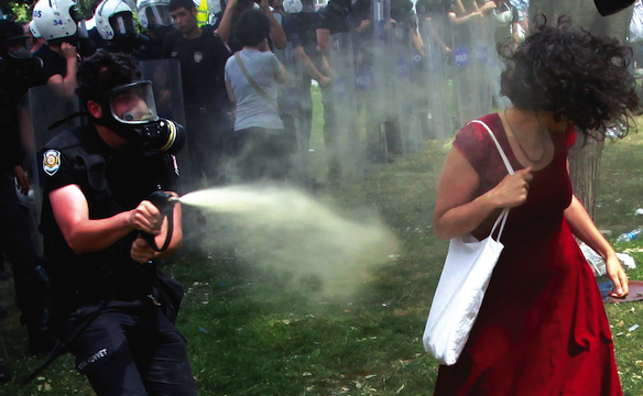 turkey-teargas_584.jpg