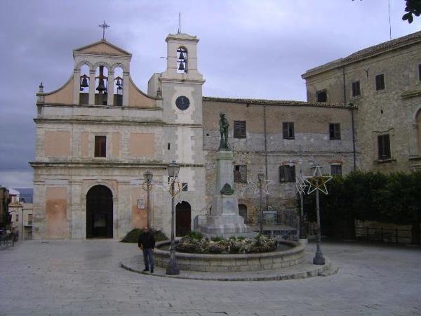 PiazzaUmbertoIcon Aragona