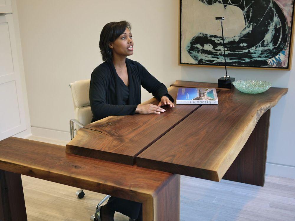20nahb-walnut-desk.jpg