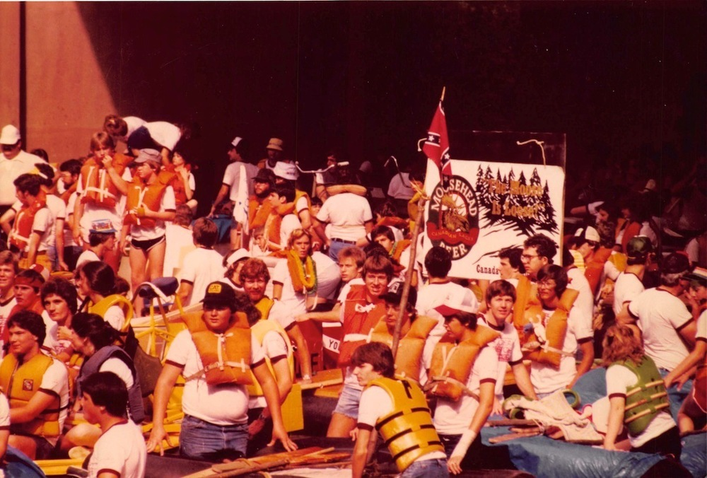 9-RAFT-RACE-crowd-start.jpg