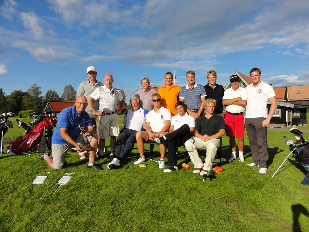 Basker Trophy är en golftävling mellan kustjägare och fallskärmsjägare