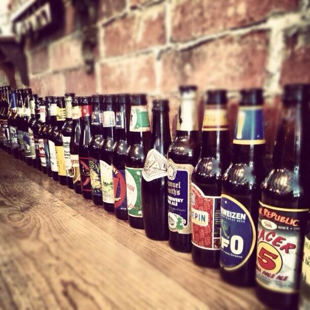 Cervezas Artesanales en Pirilo Pizza Rústica vía @izqrdo en Instagram