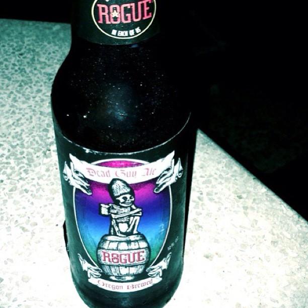 Rogue's Dead Guy Ale vía @Ginaesgina en Twitter