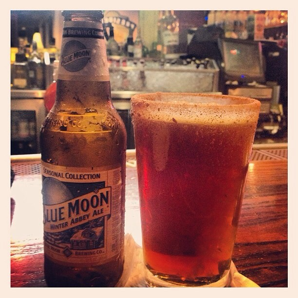 Blue Moon Winter Abbey Ale vía @sunnygirlpr en Instagram