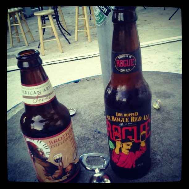 Rogue Red Ale y Brother Thelonious vía @jexlyjay en Instagram
