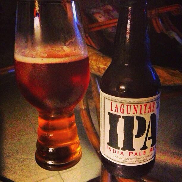 Lagunitas IPA vía @dehumanizer en Instagram