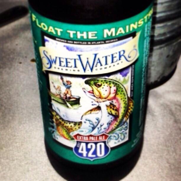 SweetWater 420 Extra Pale Ale vía @valdorm en Instagram