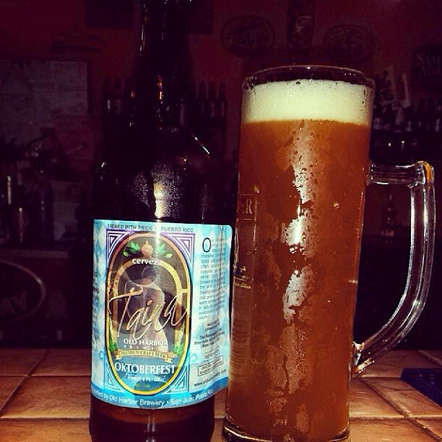 Taína Oktoberfest de Old Harbor Brewery vía @aibonitobeergarden en Instagram