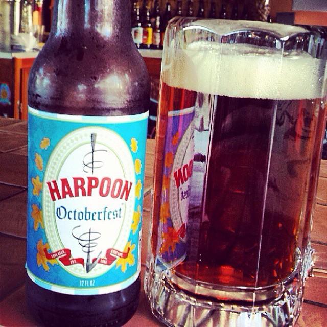 Harpoon Octoberfest vía @aibonitobeergarden en Instagram