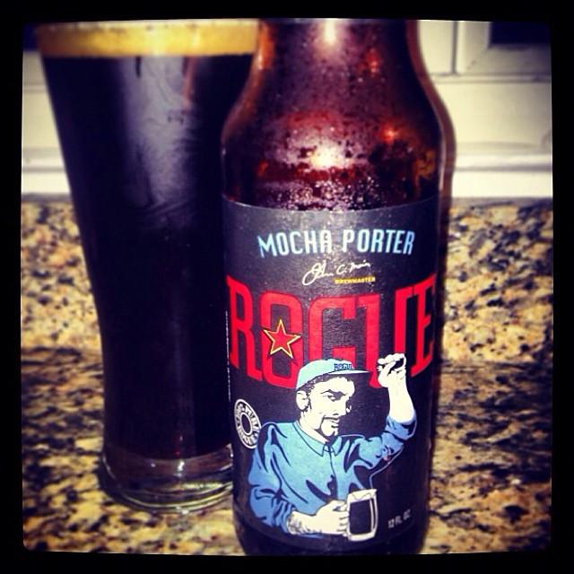 Rogue Mocha Porter vía @thecraftbeergal en Instagram