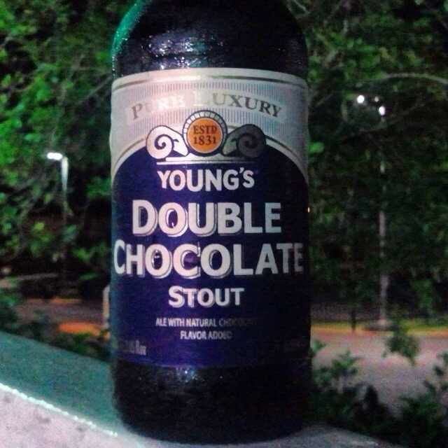 Young's Double Chocolate Stout vía @valdorm en Instagram